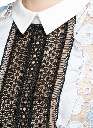 Detail View - Click To Enlarge - self-portrait - 'Flower Garden' contrast panel guipure lace dress