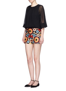 ALICE + OLIVIA'Sherri' floral embroidery shorts