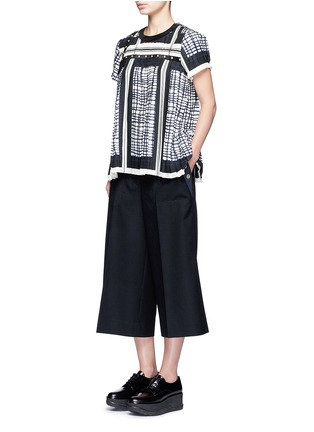 Figure View - Click To Enlarge - Sacai - Grommet trim wool flannel culottes