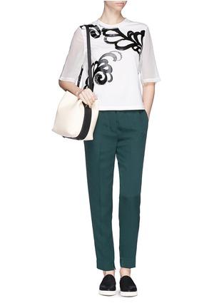 模特儿示范图 - 点击放大 - 3.1 PHILLIP LIM - Fern foil print cropped T-shirt