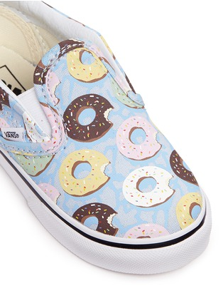 Detail View - Click To Enlarge - Vans - 'Classic Late Night' donut print canvas toddler slip-ons