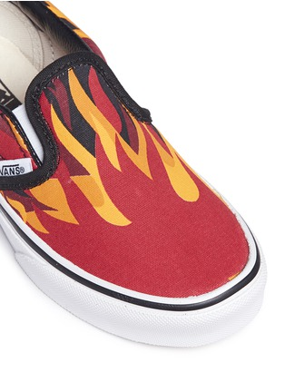 Detail View - Click To Enlarge - Vans - 'Flame Classic' canvas kids slip-ons