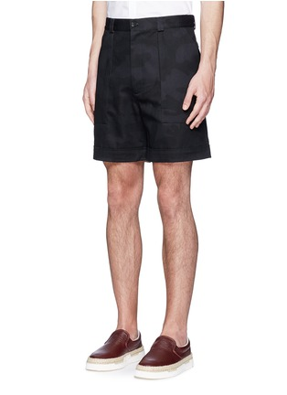 Front View - Click To Enlarge - Valentino - 'Camu Noir' cotton twill shorts