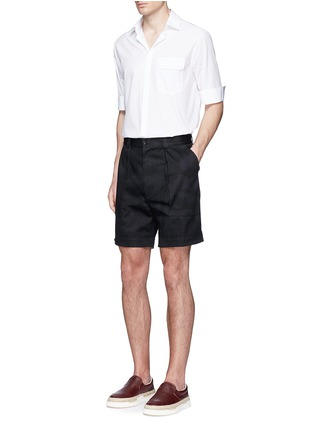 Figure View - Click To Enlarge - Valentino - 'Camu Noir' cotton twill shorts