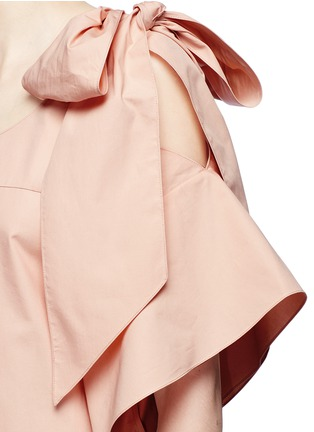 Detail View - Click To Enlarge - Chloé - Knotted cold shoulder poplin dress