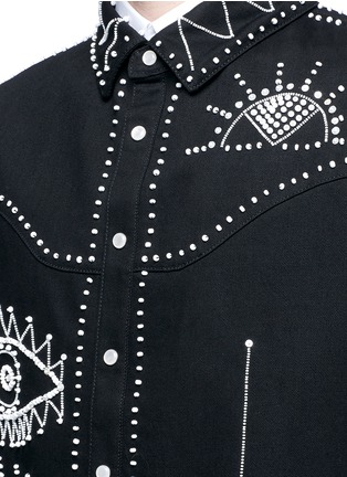Detail View - Click To Enlarge - Valentino - Tribal embellished denim shirt jacket