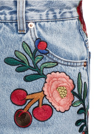 Detail View - Click To Enlarge - Gucci - Embroidered washed cotton denim skirt