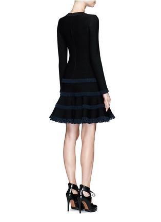 背面 - 点击放大 - ALAÏA - Frise镂空条带装饰混羊毛喇叭连衣裙