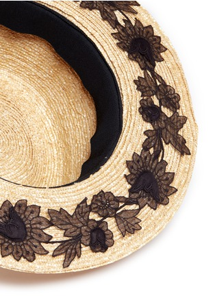 Detail View - Click To Enlarge - YUNOTME BY GLORIA YU - 'Micha' floral lace panama straw hat