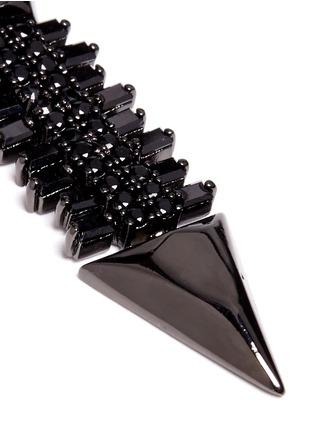 Detail View - Click To Enlarge - IOSSELLIANI - Zircon pavé brass arrow clip earrings
