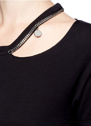 Detail View - Click To Enlarge - Stella McCartney - 'Falabella' chain cutout shoulder classic T-shirt