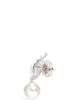 Detail View - Click To Enlarge - CZ by Kenneth Jay Lane - Faux pearl drop cubic zirconia wing earrings
