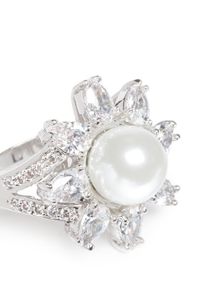 Detail View - Click To Enlarge - CZ by Kenneth Jay Lane - Cubic zirconia glass pearl floral ring