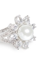 Cubic zirconia glass pearl floral ring
