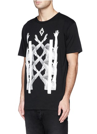 正面 -点击放大 - MARCELO BURLON - 'Palm Angels' hands print T-shirt and book set