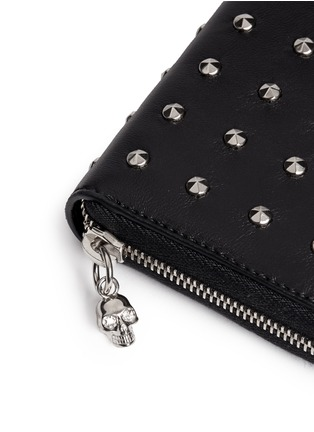 Detail View - Click To Enlarge - Alexander McQueen - Skull stud leather continental wallet
