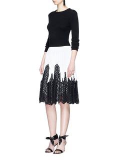 Oscar de la RentaEyelash guipure lace pleated knit skirt