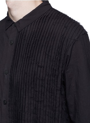 Detail View - Click To Enlarge - Ziggy Chen - Pleat side cotton voile shirt
