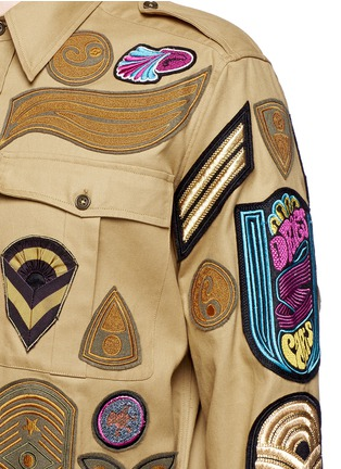 Detail View - Click To Enlarge - Dries Van Noten - 'Cameron' military badge shirt