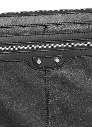 Detail View - Click To Enlarge - Balenciaga - 'Clip' large matte leather zip pouch