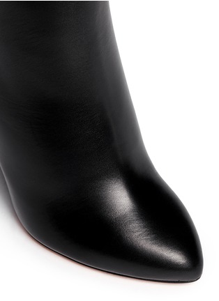 Detail View - Click To Enlarge - Givenchy - Star stud boots