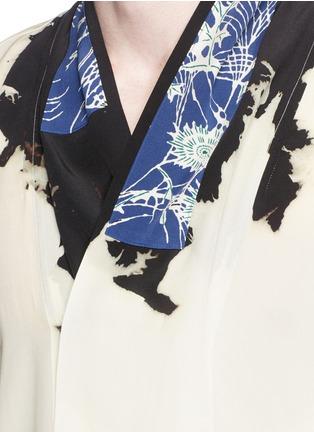 Detail View - Click To Enlarge - Haider Ackermann - 'Digoxine' print shawl lapel silk shirt