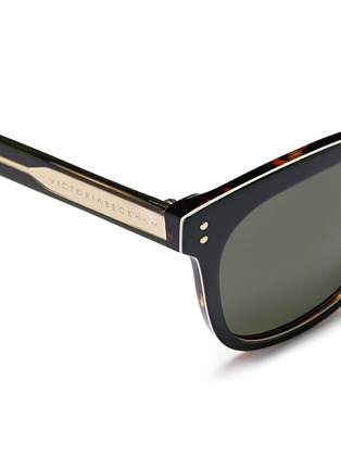 Detail View - Click To Enlarge - Victoria Beckham - 'The VB' colourblock tortoiseshell effect acetate square sunglasses