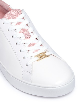 Detail View - Click To Enlarge - Michael Kors - 'Irving' shagreen effect trim leather sneakers