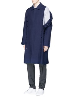 FFIXXED STUDIOSDetachable sleeve crinkled stripe coat