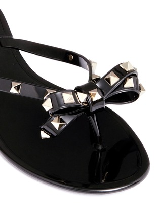 Detail View - Click To Enlarge - Valentino - 'Rockstud' bow flat jelly sandals