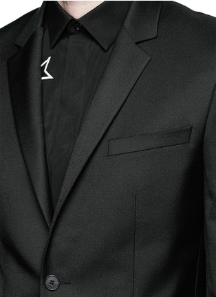 Detail View - Click To Enlarge - Givenchy Beauty - Belted wool blend twill blazer
