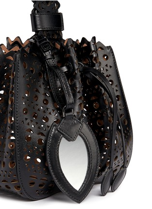 Detail View - Click To Enlarge - Alaïa - 'Vienne' small lasercut leather bucket bag