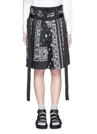 Main View - Click To Enlarge - Sacai - Bandana print pleat poplin long shorts