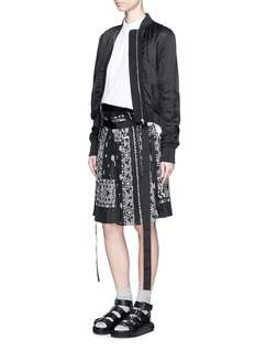SACAI Bandana print pleat poplin long shorts