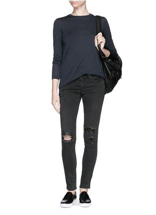 模特儿示范图 - 点击放大 - RAG & BONE/JEAN - 弹性紧身破洞牛仔裤