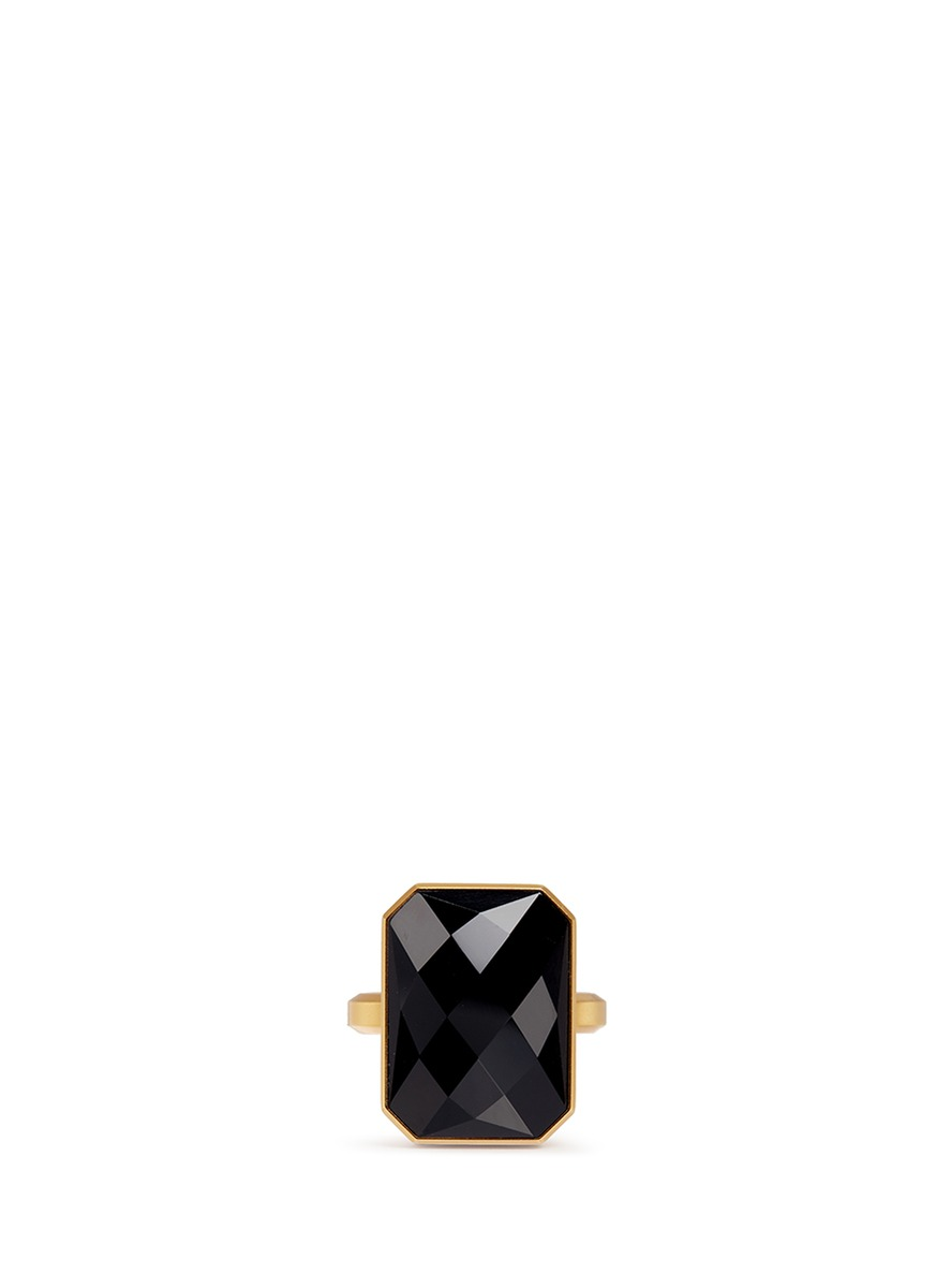 Stargaze onyx activity tracking ring by Ringly