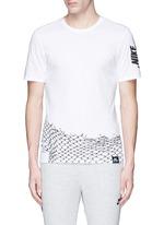 'Nike Air Chain Fence' print T-shirt
