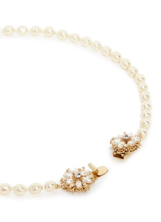 Detail View - Click To Enlarge - Miriam Haskell - Filigree floral clasp Baroque pearl necklace
