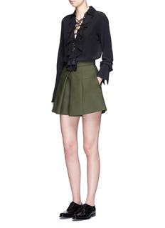 ALEXANDER MCQUEENBox pleated double cotton shorts