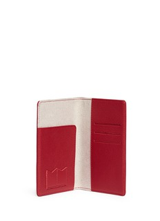 Bynd Artisan Fine grain leather passport holder