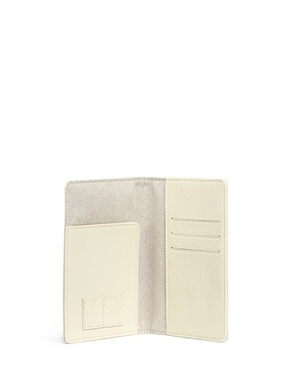 Bynd Artisan - Fine grain leather passport holder