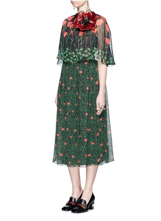 Figure View - Click To Enlarge - Gucci - Sequin flower brooch tulip leaf print silk cape dress