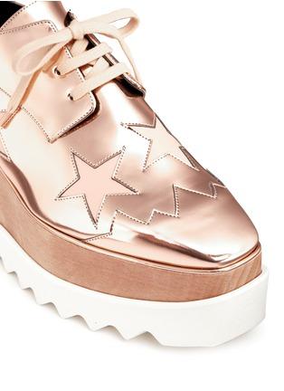细节 - 点击放大 - STELLA MCCARTNEY - 星星拼贴坡跟系带鞋