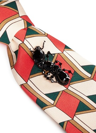 Detail View - Click To Enlarge - Gucci - Crystal ant embellished geometric print silk tie