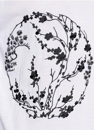 细节 - 点击放大 - ALEXANDER MCQUEEN - Blossom embroidery organza sleeve T-shirt