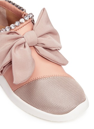 Detail View - Click To Enlarge - Giuseppe Zanotti Design - 'Singleg' jewelled collar bow leather sneakers