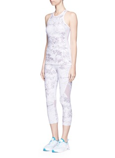 Alala'White Palm' captain performance crop tights