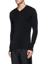 纯色V领羊毛针织衫