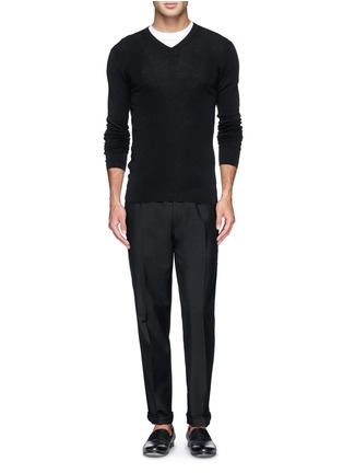 DOLCE & GABBANA-纯色V领羊毛针织衫