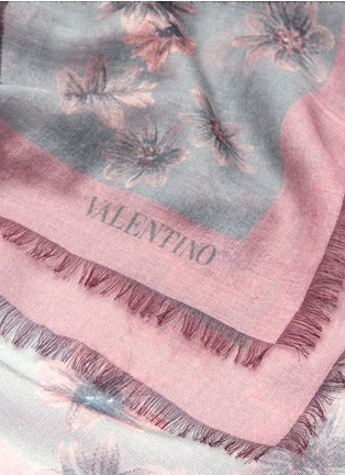 Detail View - Click To Enlarge - Valentino - Butterfly print cashmere-silk scarf